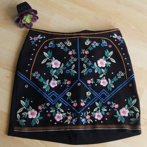 H & M Black Mini Skirt Embroidered Flowers Size 2
